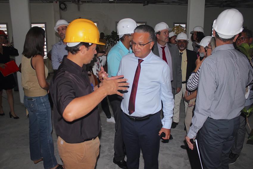 Le président en visite sur le chantier