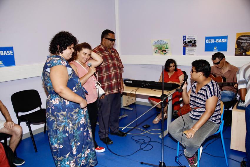 Démonstration de Musique Assistée par Ordinateur par des personnes déficientes visuelles