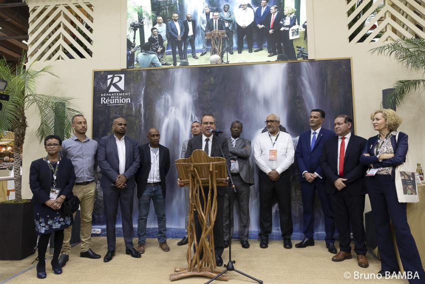 Inauguration du village Réunion par l'élu délégué aux affaires agricoles